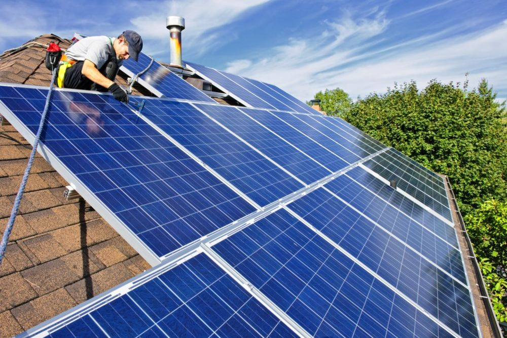 A Short History of Solar Panels & How Do Solar Panels Work?